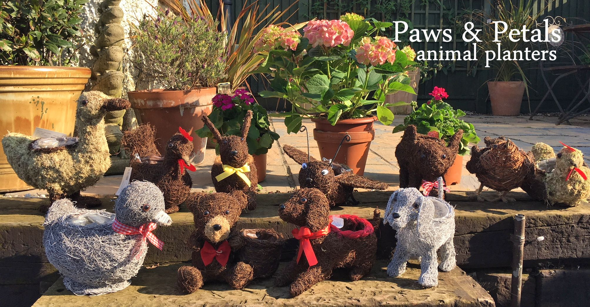 Novelty wicker animal planters and dog planters wholesale